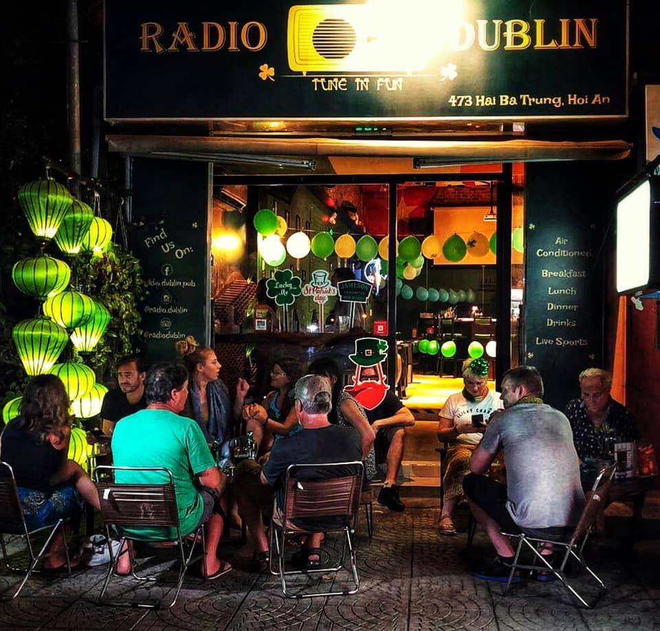 Radio Dublin bar Hoi An
